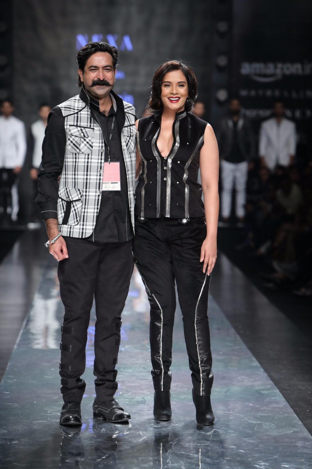 http://www.talksassy.com/wp-content/uploads/2017/03/Amazon-India-Fashion-Week-Autumn-Winter-2017-14.jpg