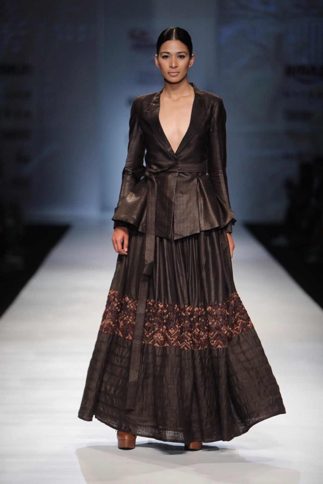http://www.talksassy.com/wp-content/uploads/2017/03/Amazon-India-Fashion-Week-Autumn-Winter-2017-21.jpg