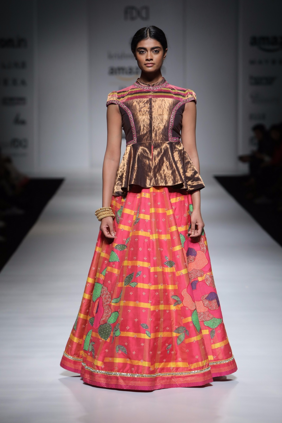 http://www.talksassy.com/wp-content/uploads/2017/03/Amazon-India-Fashion-Week-Autumn-Winter-2017-25.jpg