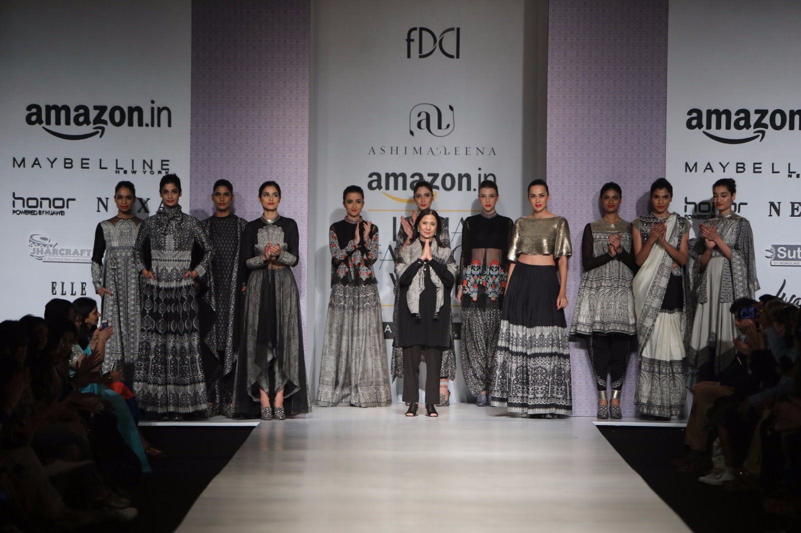 http://www.talksassy.com/wp-content/uploads/2017/03/Amazon-India-Fashion-Week-Autumn-Winter-2017-33.jpg