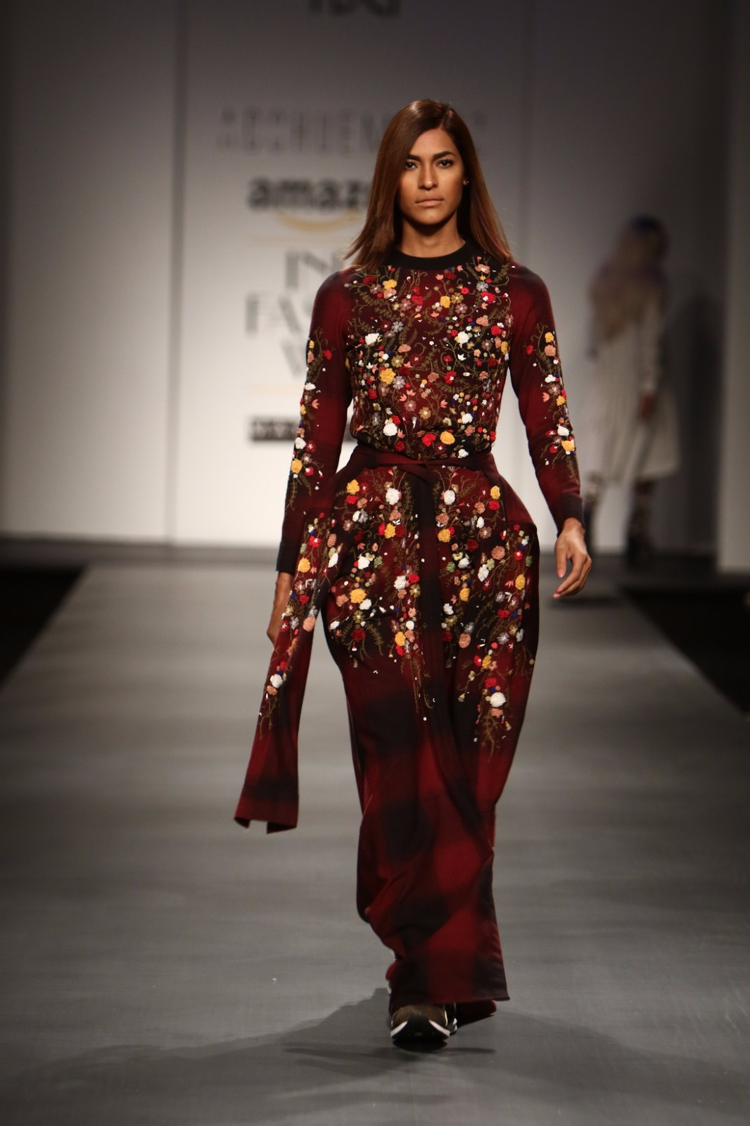 http://www.talksassy.com/wp-content/uploads/2017/03/Amazon-India-Fashion-Week-Autumn-Winter-2017-4.jpg