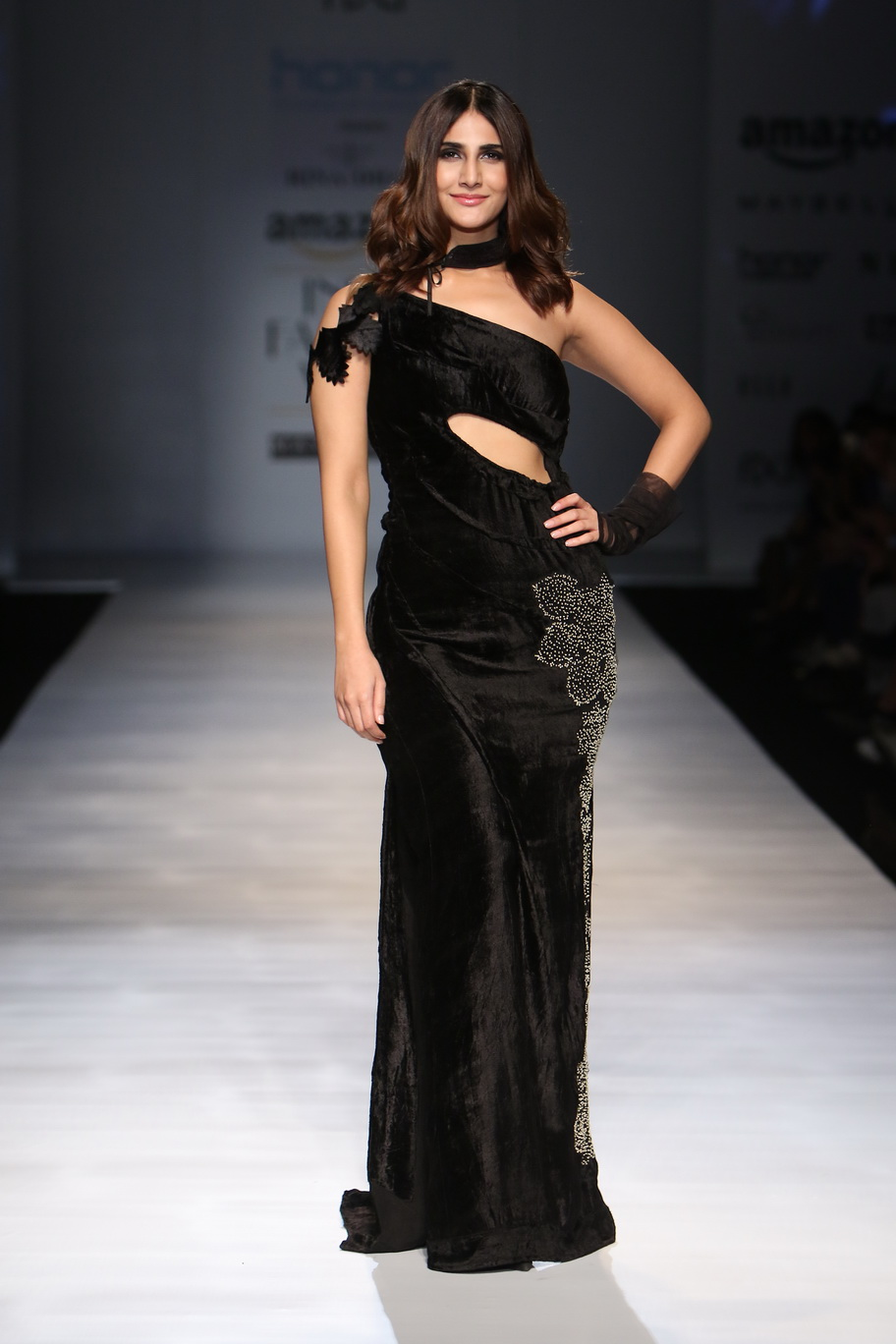 http://www.talksassy.com/wp-content/uploads/2017/03/Amazon-India-Fashion-Week-Autumn-Winter-2017-7.jpg