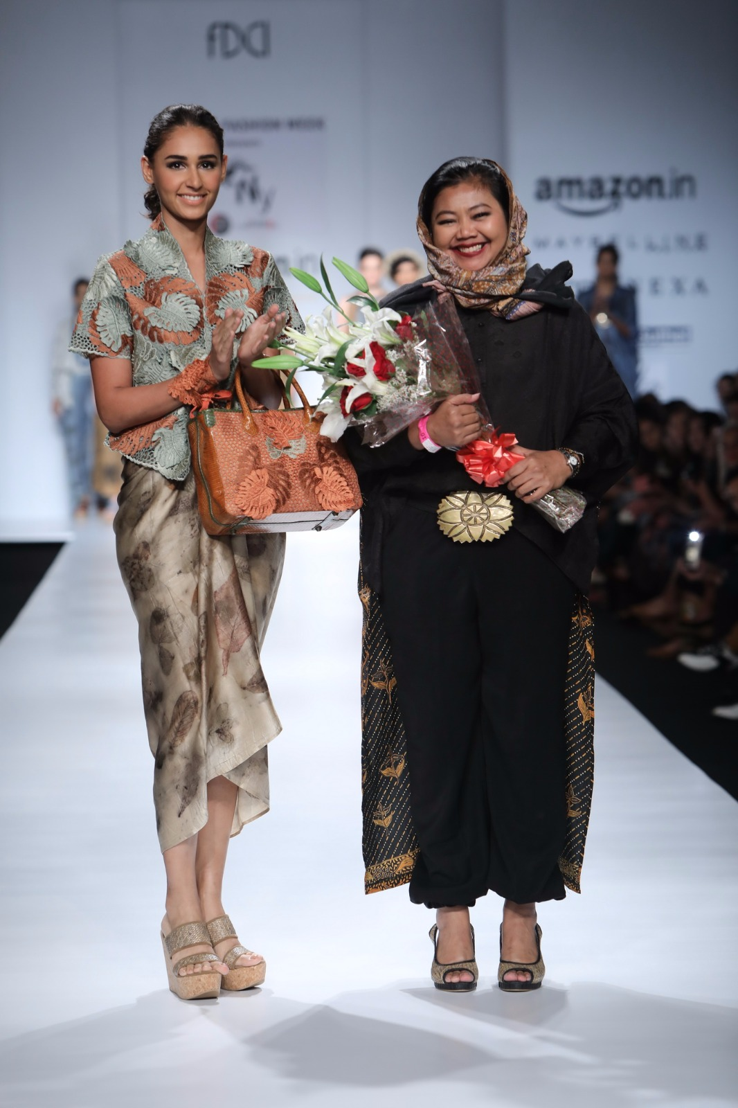 http://www.talksassy.com/wp-content/uploads/2017/03/Amazon-India-Fashion-Week-Autumn-Winter-2017-8.jpg